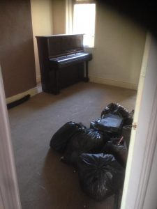 4 Bedroom House & Yard Clearance With Piano & Carpets Removal In Bensham